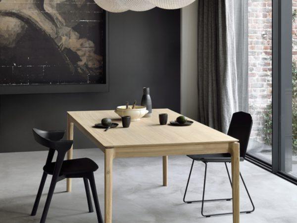 ethnicraft-bok-table-repas-chene-allonge-51499-chaise-bok-noir-51490-label-maison-nantes