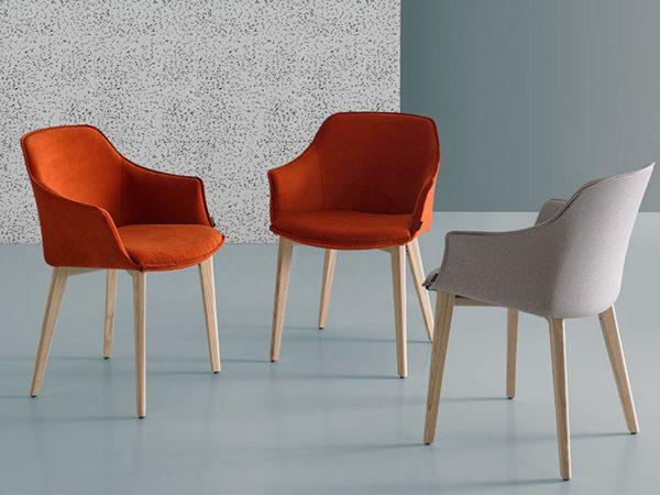 mobliberica-kedua-chaise-fauteuil-tissu-pieds-chene-label-maison-nantes